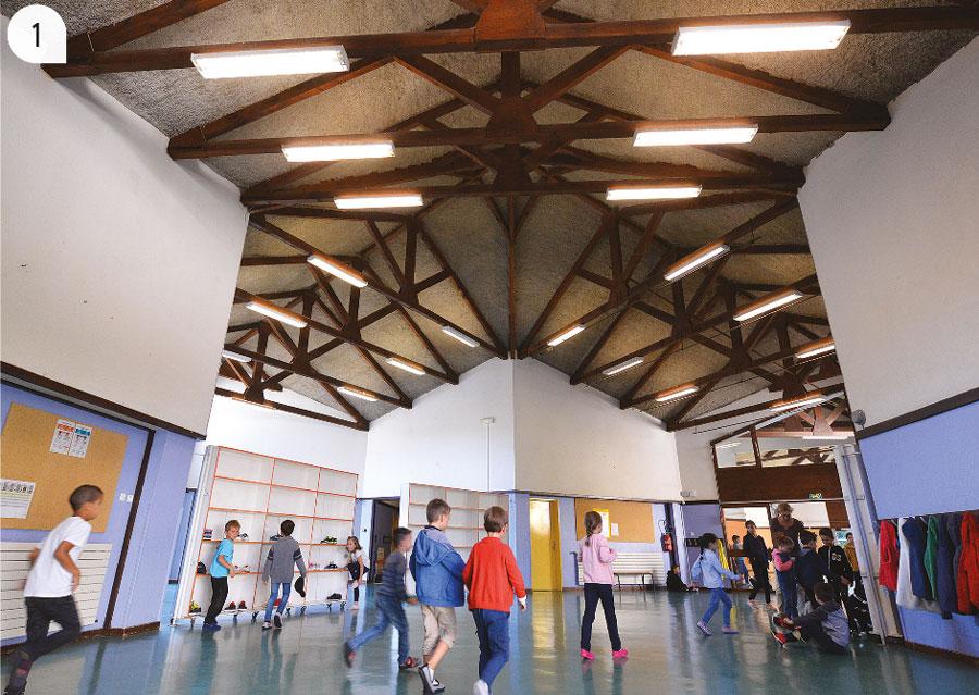 1 / Les plafonds de l'école de Belbex désormais aux normes thermiques et accoustiques.