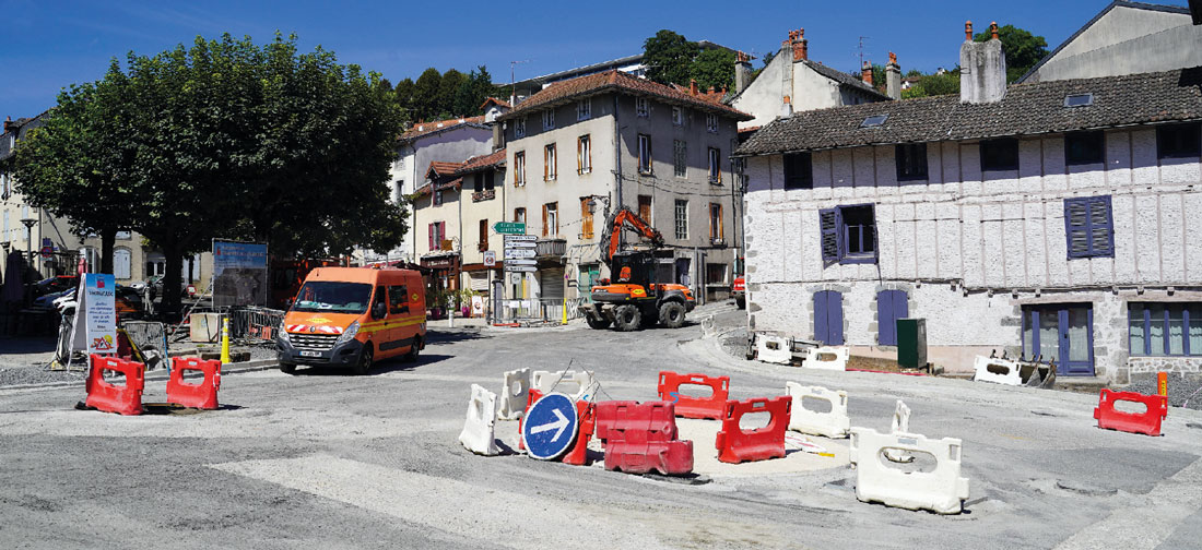 Le Carrefour de la place d'Aurinques est désormais en service.